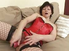 Lingerie clad granny Eva and her fuck buddy were more than ready to engage in intense fucking after their kinky foreplay. She lies down on her side and got her ripe cooter intensely screwed with a hard shaft. She moans loudly while getting her pussy